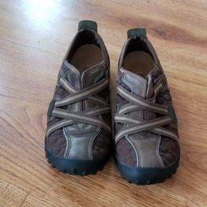 Flat Tire Women Shoe 8 ? Flat Outdoor Casual